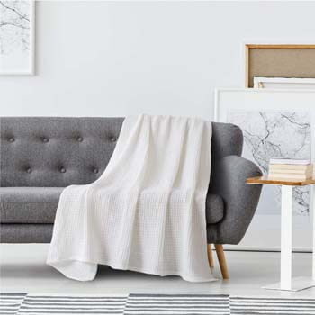 9. Bedsure 100% Cotton Thermal Blanket